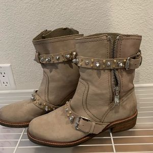 Tan stud boot